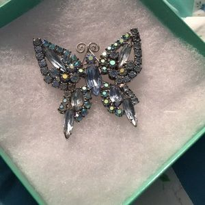 Jewelry - Gorgeous butterfly pin